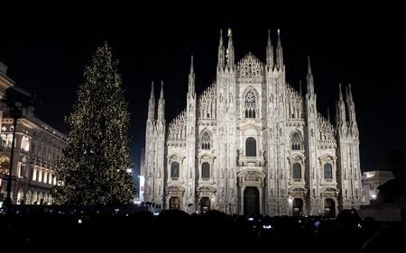 Accensione dell albero di Natale a Milano