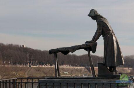 Il monumento alla lavandaia