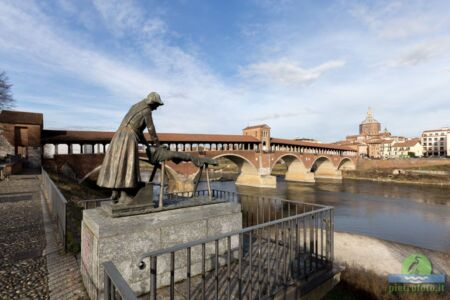 Il monumento alla lavandaia - Pavia