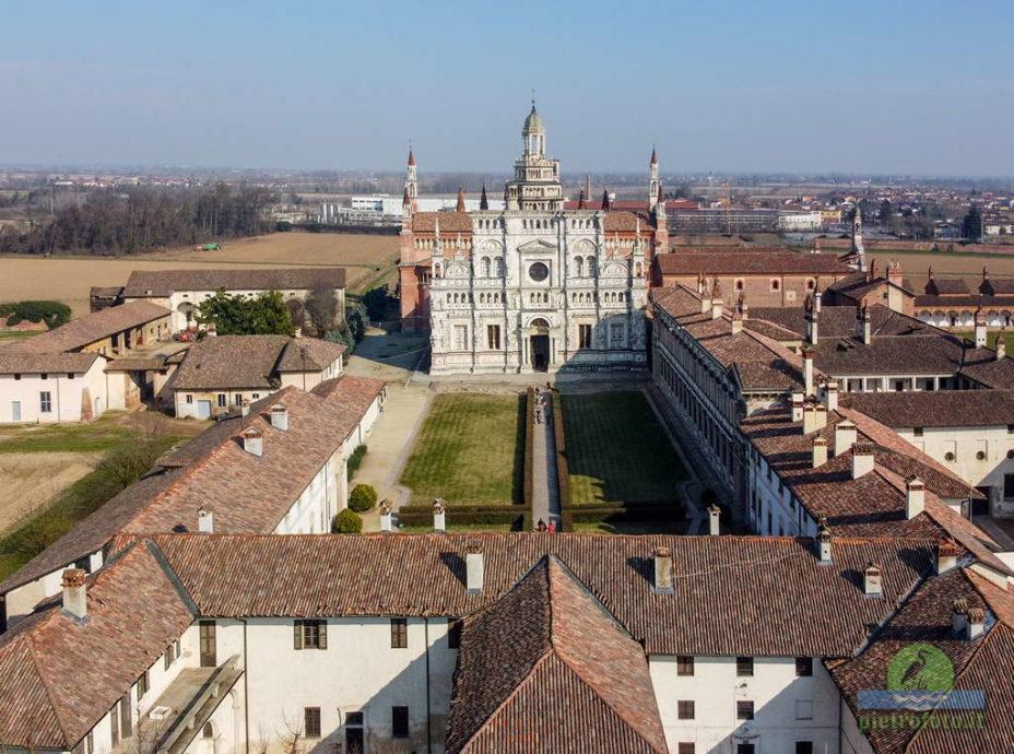 La certosa di Pavia dal drone