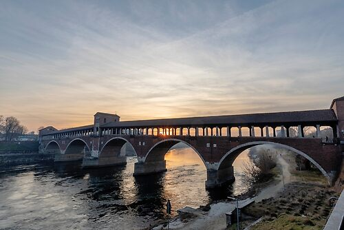 Pavia ponte coperto
